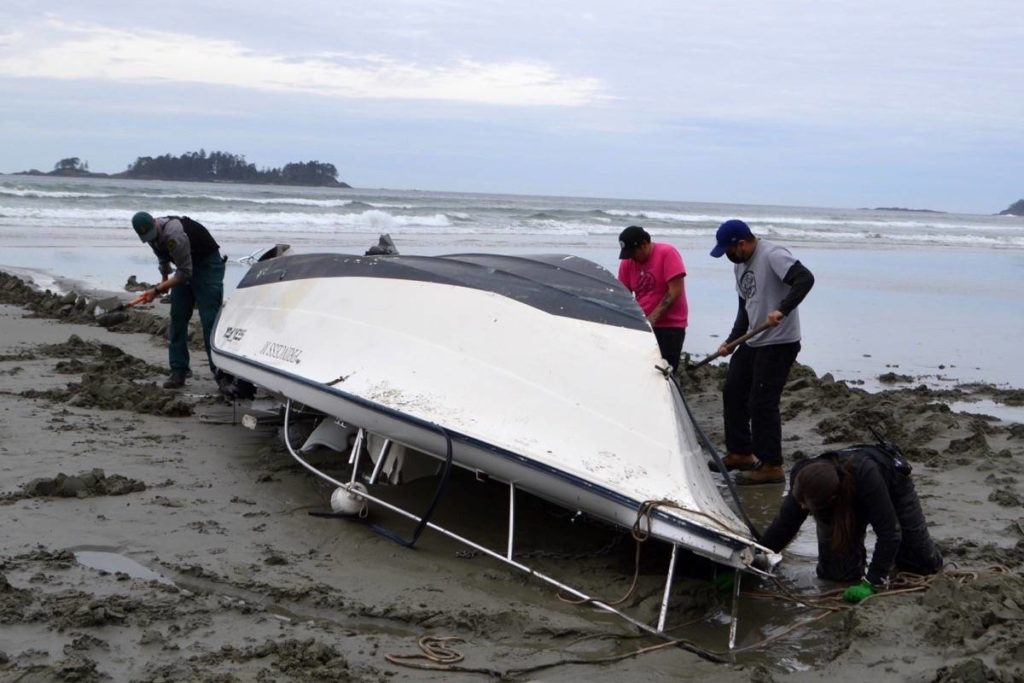 Rescue attempt costs man his boat off Pacific Rim National Park Reserve - Sooke News Mirror